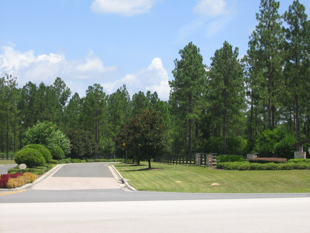 LAKEWOOD RANCHES EUSTIS FL ENTRANCE